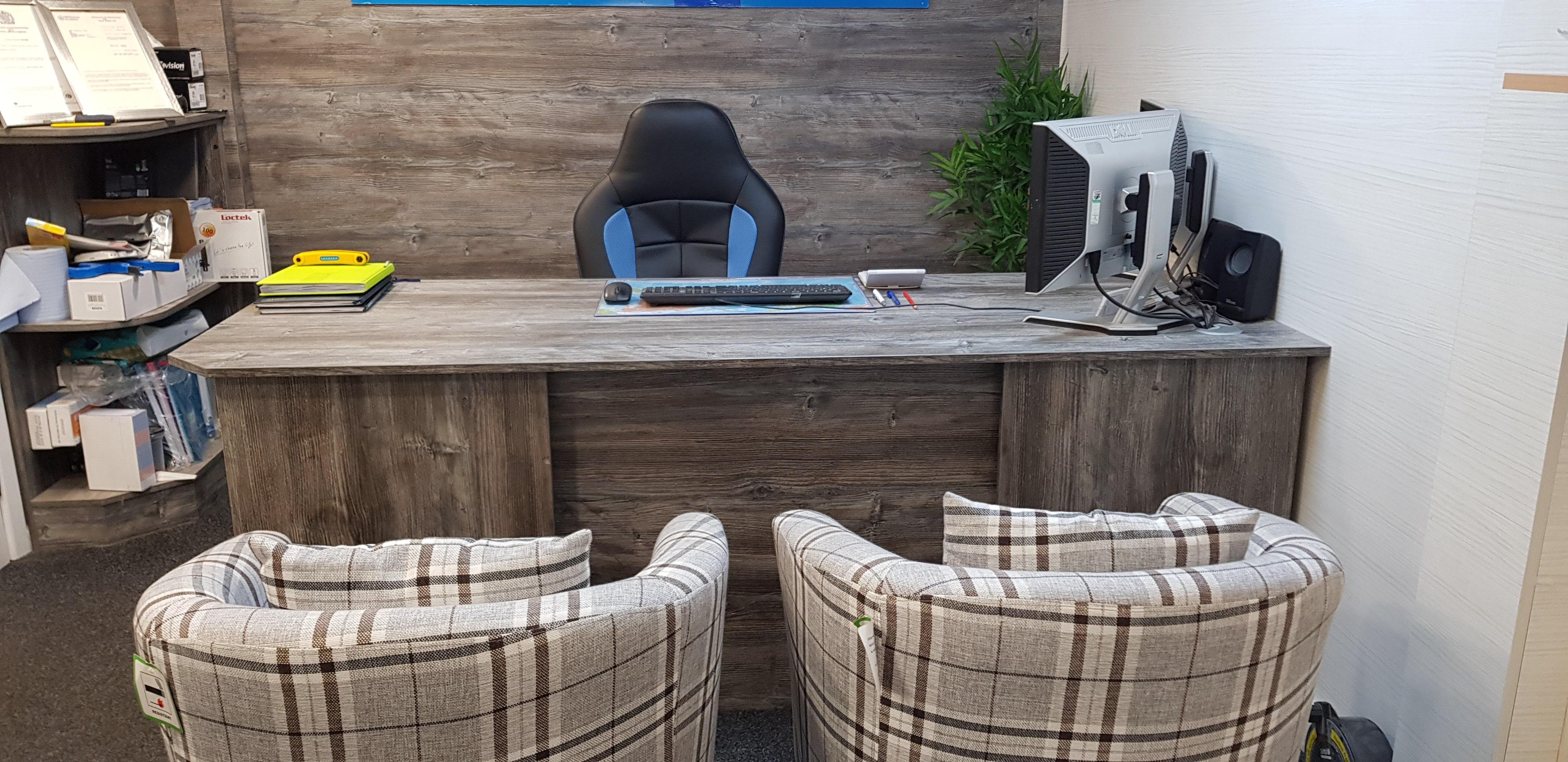 Office-Work-Desk-2